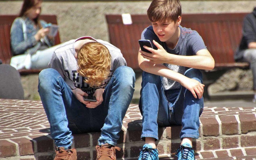 Crianças na Internet – Novas tecnologias e sua influência nas famílias